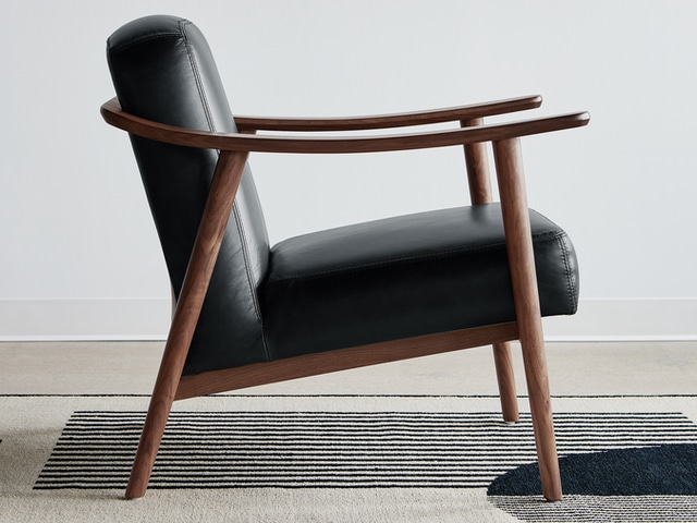 Baltic Chair – Saddle Black Leather & Walnut – L01