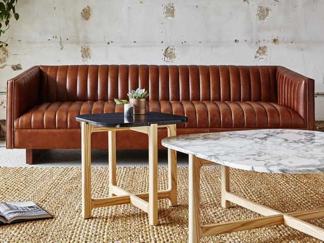 Wallace Sofa – Saddle Brown Leather – L01